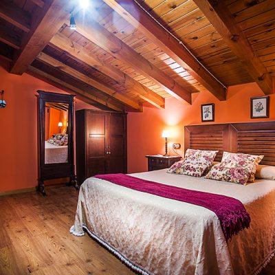 Habitaciones rehabilitadas con materiales tradicionales